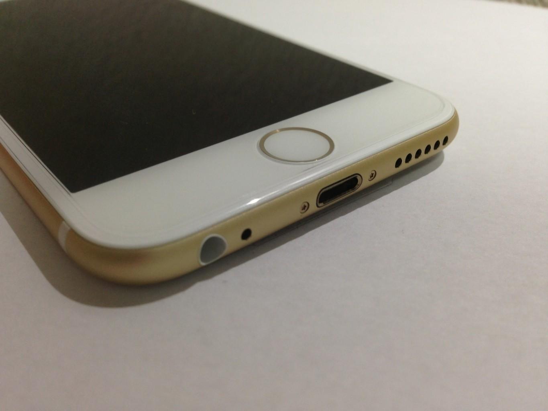 iPhone 6の下部