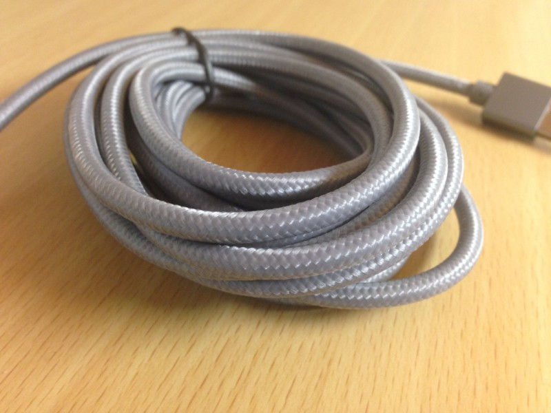 lilie-lightning-cable-aluminum_1